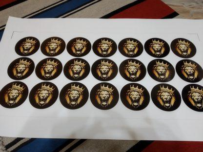 наклейка золотой лев в короне на черном фоне курский авто клуб